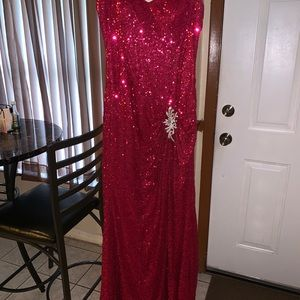 La Femme size 8 fushia sequins dress
